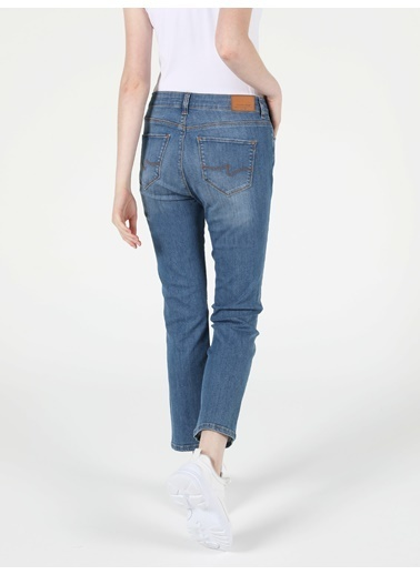 Colin's 792 Mıla Orta Bel Düz Paça Regular Fit Mavi Kadın Jean Pantolon Lacivert